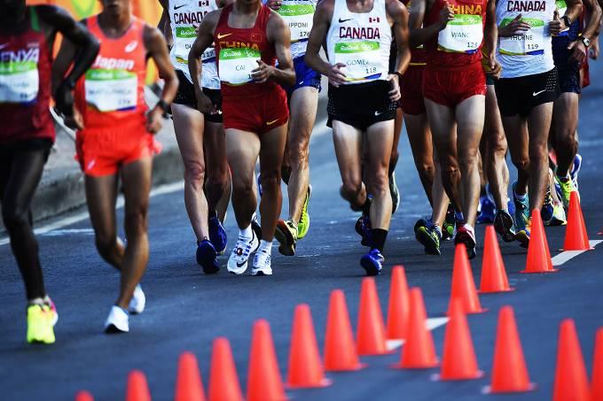 Uniformes Esportvos requer um tecido especial para evitar o suor dos atletas. Maxx Uniformes personaliza  de forma profissional